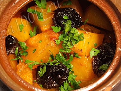 Рецепт Баранины с черносливом в горшочке